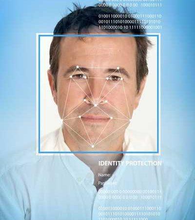 Identification des personnes pas caméra de reconnaissance faciale